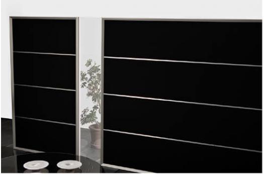 AKUWALL 40 er fritstående skærmvægge, som opstilles for at opdele det åbne kontor eller ved arbejdspladsen.