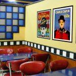 3 Café med gamle filmplakater l
