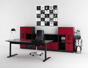 Abstrakt billede monteret i kontor